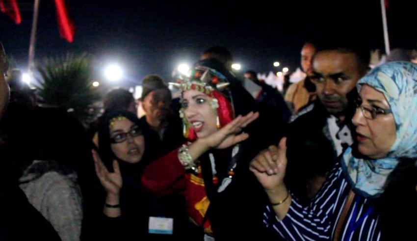 باشا تارودانت يعتدي على مراسل هبة بريس ويقمع إحتجاج العارضين بمهرجان الحناء