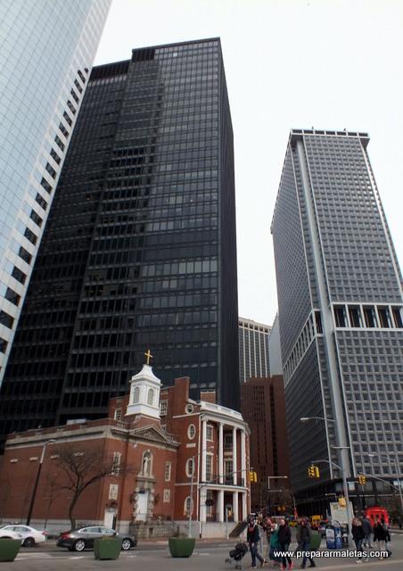 Contraste de arquitectura en Nueva York