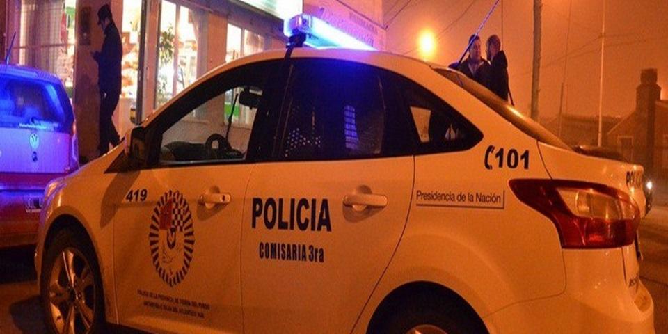 Asaltaron haciendose pasar por policias