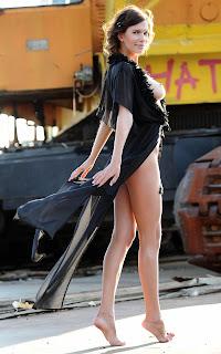Casual Bottomless Girls - Sexy Naked Girl - Suzanna A - 1