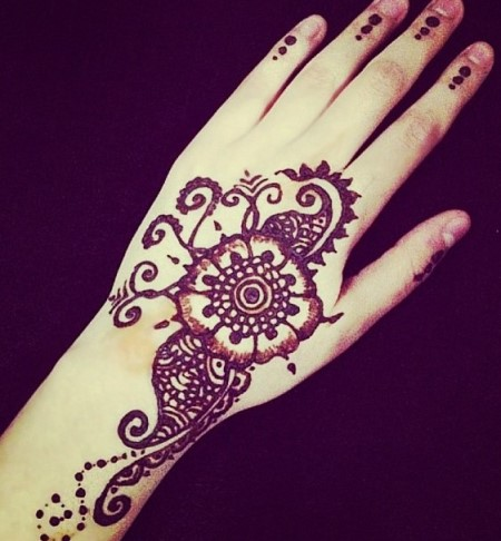 Gambar Henna Tangan Kiri 7
