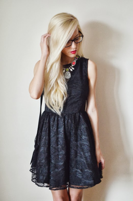 BLACK LACE DRESS WITH MESH & COLORFUL XXL NECKLACE