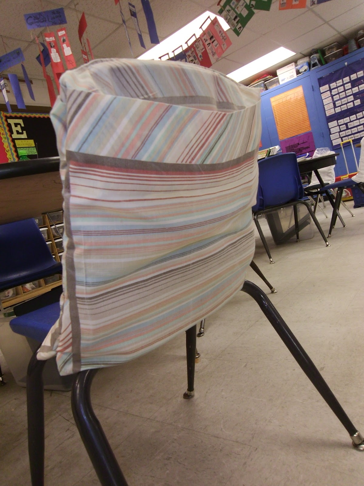 Diy Classroom Chair Covers French Cafe Chairs Metal 1000 43 Ideas About School Pockets On Pinterest