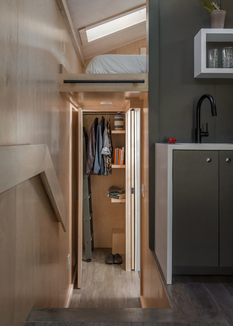 04-Closet-and-Bathroom-New-Frontier-TH-Architecture-The-Orchid-Tiny-House-www-designstack-co