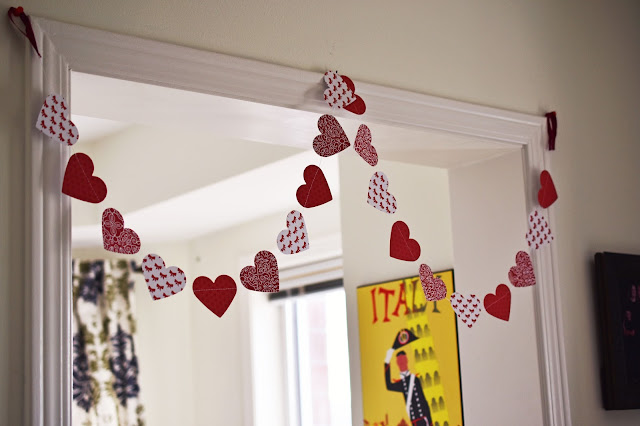 How to Sew A Simple Paper Hearts Garland for Valentine's Day - quick and easy project - requires minimal #sewing skills #crafts #diy #crafting #ValentinesDay