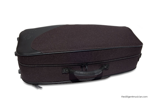 SeleS Axos Alto Saxophone Case Closed