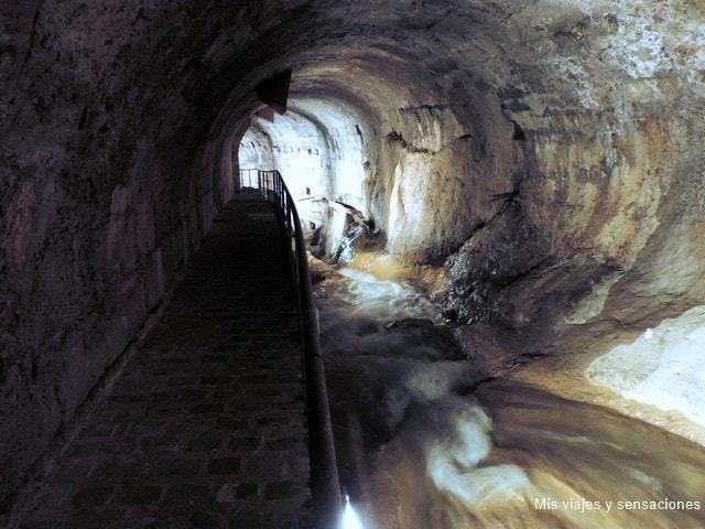 bóveda del río Cerezuelo, Cazorla, Jaén, Andalucía