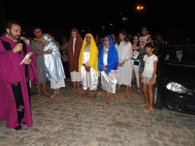 http://armaduracristaodo.blogspot.com.br/2016/03/via-sacra-pelas-ruas-paroquia-menino.html
