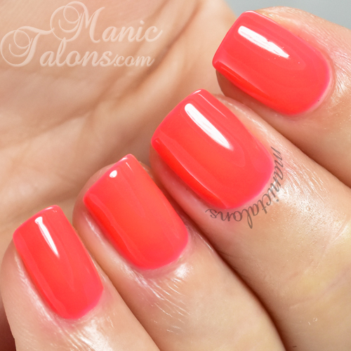 Daisy Duo Gel Polish Summer Hot Pink Swatch