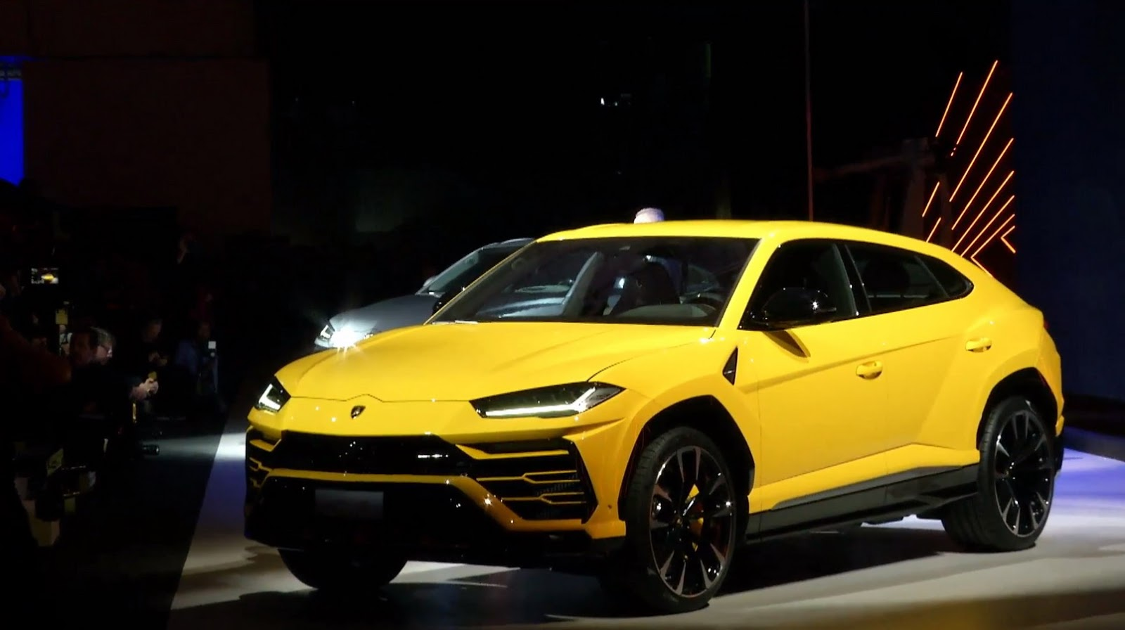 Cool Suv 2017 >> Lamborghini Launches Urus Super SUV, Gives It 641HP To Play With   Carscoops