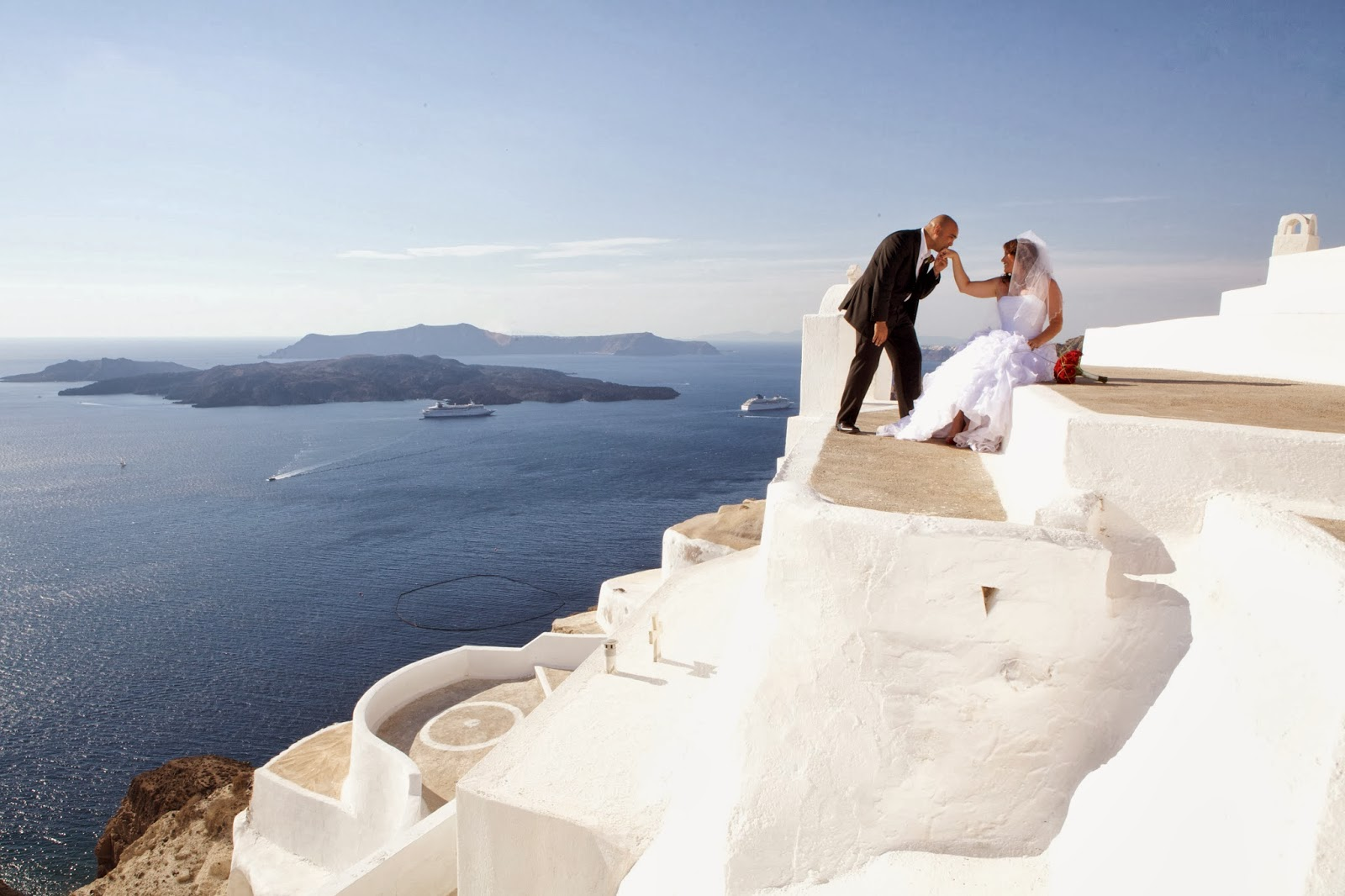 3d7e5637862 A wedding in Santorini is a dream for a lot of couples - Santorini is among  the 10 top destination places for a wedding in the world.
