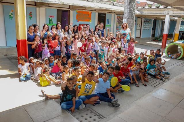 Crianças recebem festas em escolas e posto de saúde de Gravatá