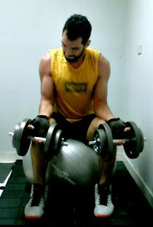 Rutina full body bíceps anterbrazos mancuernas