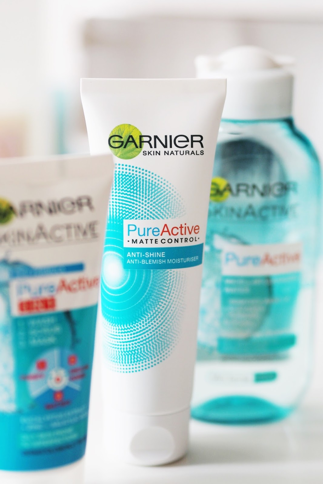 Garnier pure active clear skin kit review acne oily skincare teen skin