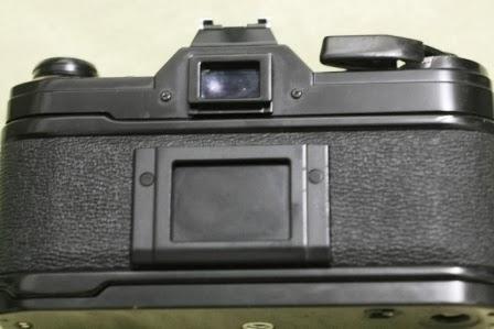 Canon ae-1 hitam belakang
