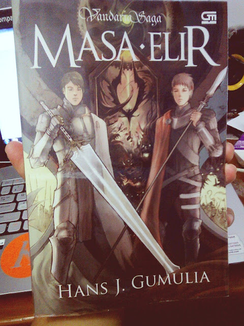 fiction and dark story jadi waktu nemu buku dengan judul Vandaria Saga  Resensi Vandaria Saga : Masa Elir, Novel Fantasi Asli Indonesia