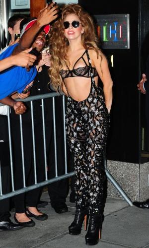 591707cdc Lady Gaga quer chamar mesmo atencão!Depois do seu biquíni fio dental no VMA