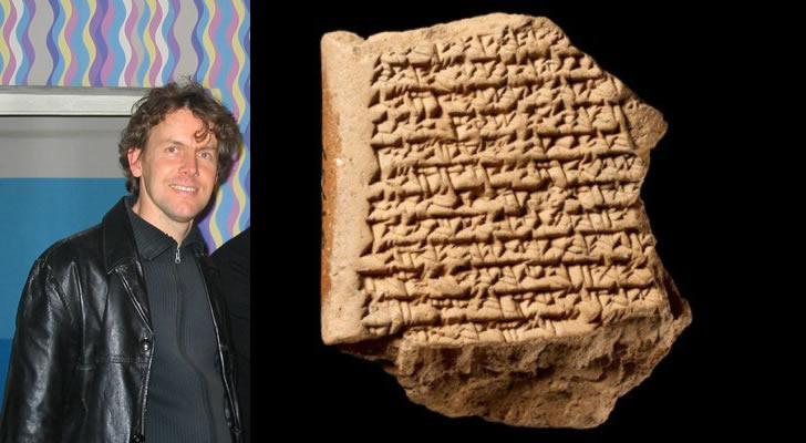 ¿Fueron los antiguos babilónicos capaces de realizar un mapa de los movimientos del planeta Júpiter? Una tablilla de 200 A.C. traducida lo afirma. A la izquierda Matthieu Ossendrijver, arqueólogo que logró traducir dicha tablilla.