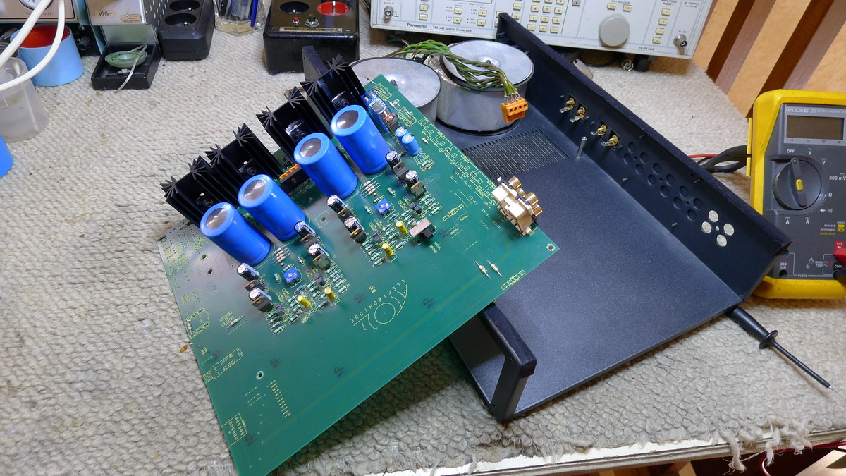 audiotronik ampli de puissance atoll am 100. Black Bedroom Furniture Sets. Home Design Ideas