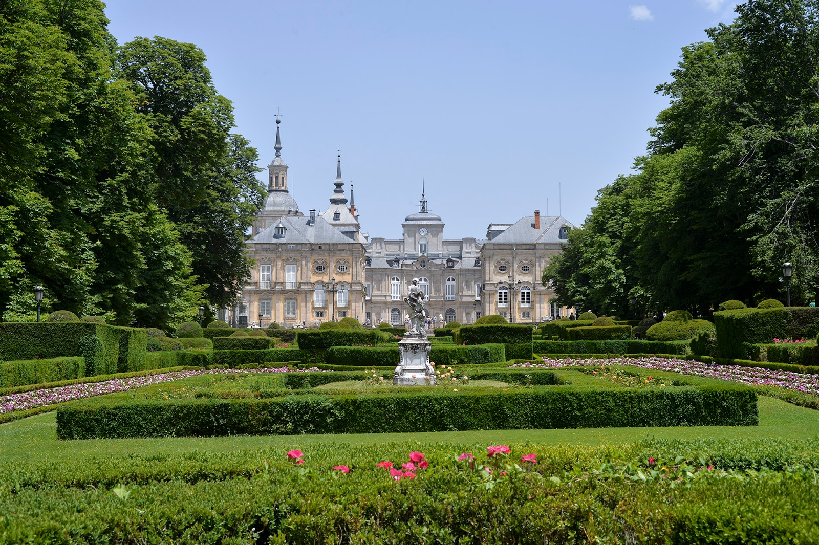 segovia spain travel guide weekend la granja san ildefonso royal palace