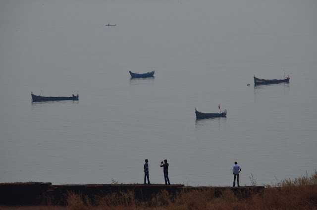 Men and boats, Bekal Fort, Kasaragod