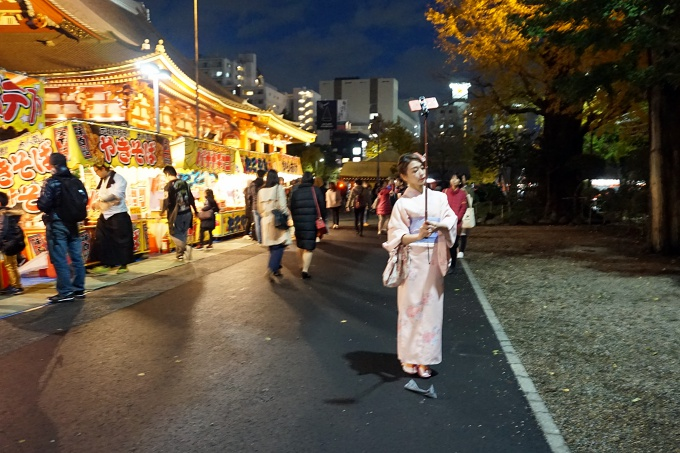 Kokemuksia Tokion nähtävyyksistä ja yksinmatkailusta - vinkkejä matkalle ja aukioloaikoihin / Asakusa Sensoji