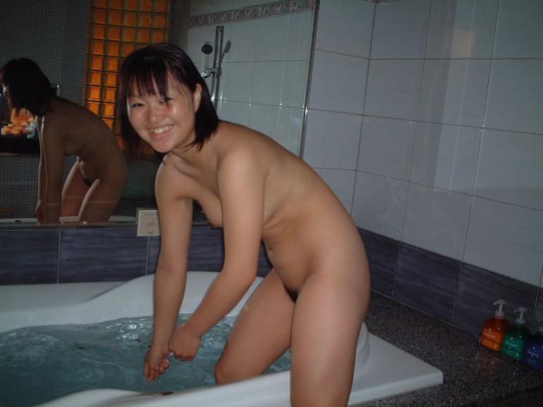 gambar bokep cewek jepang narsis sambil telanjang sebelum mandi,foto bugil cewek cantik imut asia dengan jembul lebat