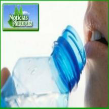 Precisamos beber dois litros de água por dia? Estudo nega tese