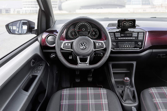 2018 Volkswagen Up! GTI - interior