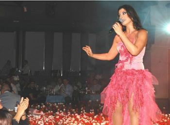 Οι αξέχαστες κόντρες της ελληνικής showbiz  Από Βίσση και Βανδή μέχρι  Δημητρίου και Γαρμπή ( 02b04b25aee