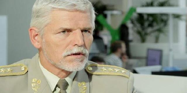 """مسؤول سابق في الناتو: """"اسرائيل"""" قدمت السلاح لـ""""جبهة النصرة"""""""