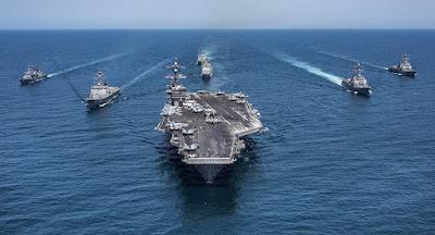 عاجل.. حاملة طائرات أمريكية وسفن حربية تتوجه للخليج العربي (فيديو)