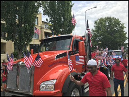 Kenworth T880 in Kirkland, WA 4th of July Parade