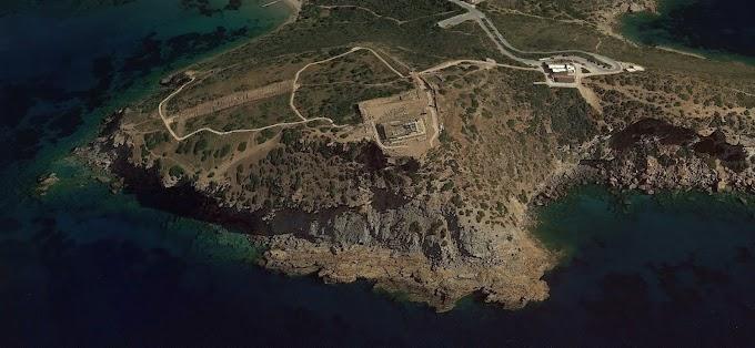 Κομμάτια του Ναού του Ποσειδώνα έχουν καταλήξει στη θάλασσα