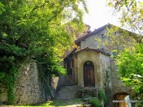 Il borgo medievale di La Scola