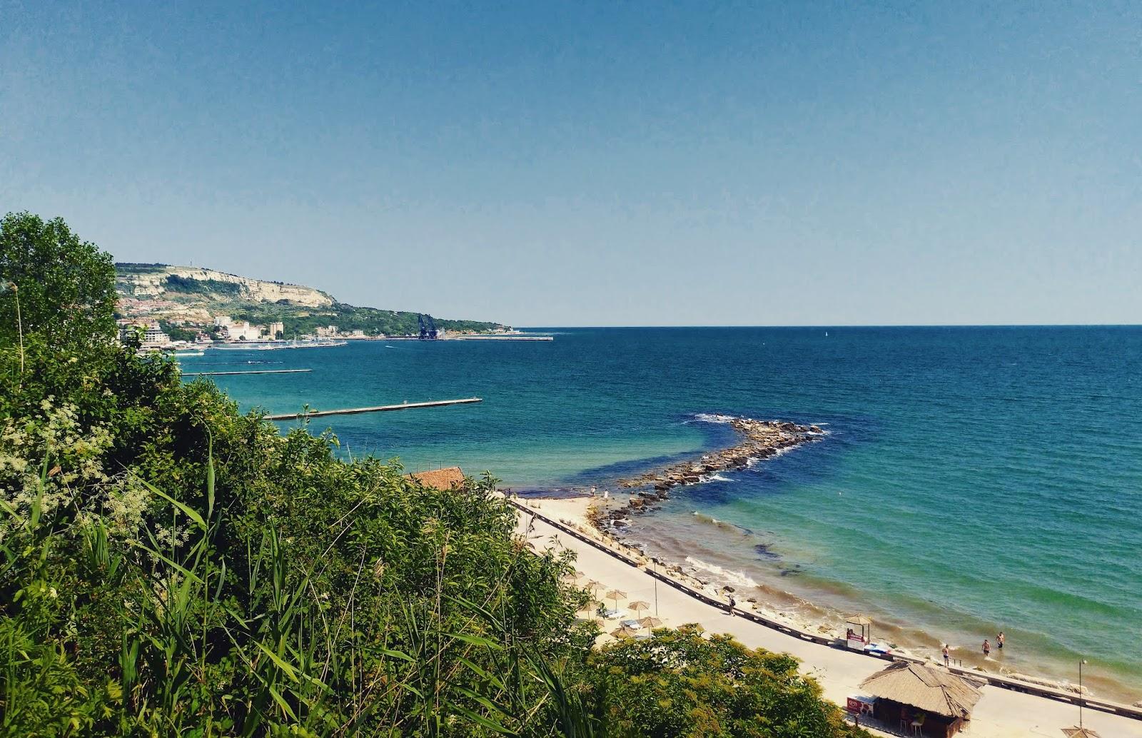 widok na Morze Czarne z ogrodu botanicznego  w Bałcziku