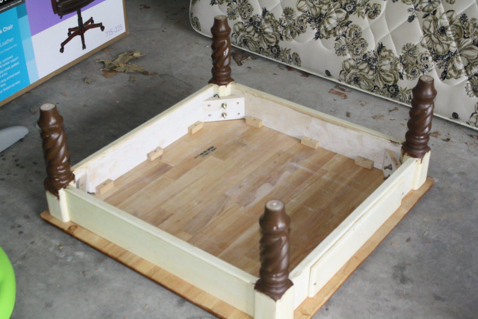 The Frid's: {DIY} Coffee Table/Ottoman