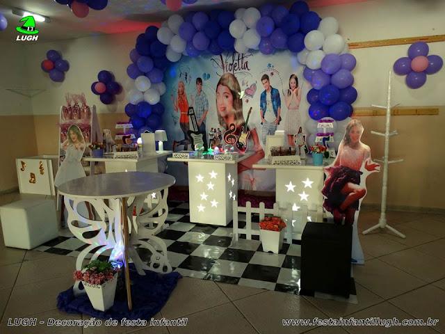Decoração provençal com o tema da Violetta para festa temática infantil de meninas