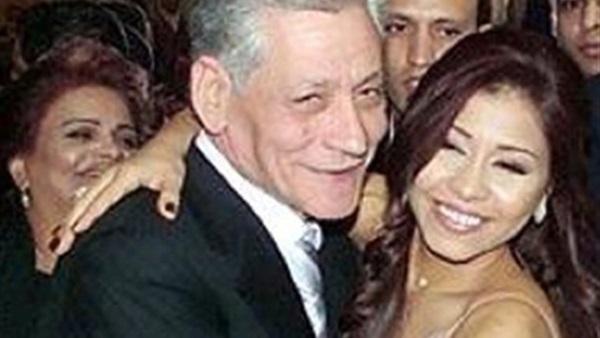 وفاة والد المطربة المصرية شيرين عبد الوهاب