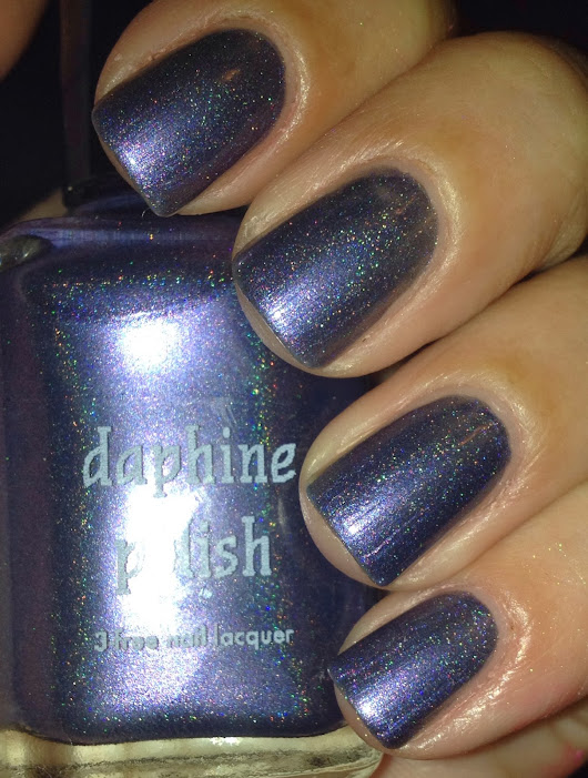 Daphine Polish: Swatches and Review