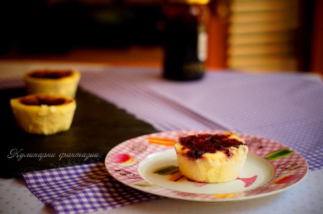 Чийзкейк Орео със сладко от боровинки