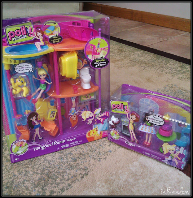 Polly Pocket HangOut House and Accessories