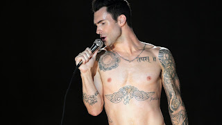 Adam-Levine-shirtless pictures