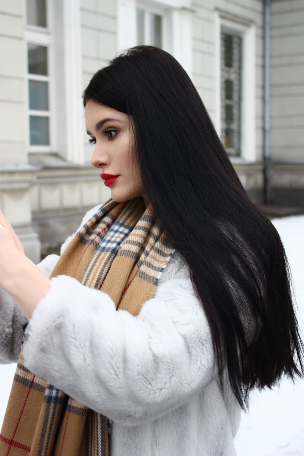 zimowe stylizacje, white fur, futerko