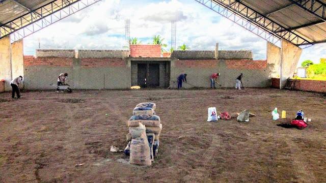 Prefeitura de Delmiro dá continuidade a construção do ginásio de esportes do Bairro Bom Sossego