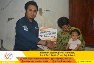 Solidaritas Muslim Salurkan Donasi Bantu Operasi Anak Dai Pesisir