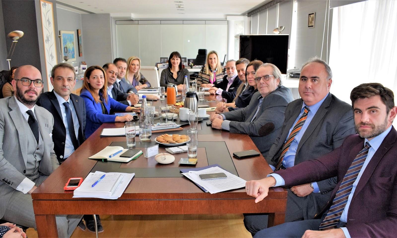 Συνάντηση Εργασίας της Υπουργού Τουρισμού Έλενας Κουντουρά με το νέο Δ.Σ. της ΠΟΞ  και τον πρόεδρο κ. Γρηγόρη Τάσιο