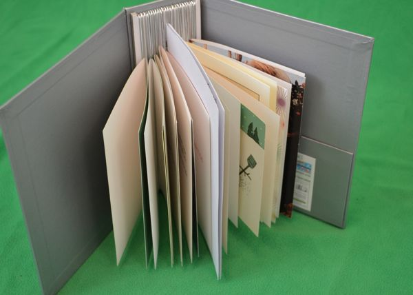 Keep calm and craft on product review of the card album view of how the card album holds cards m4hsunfo