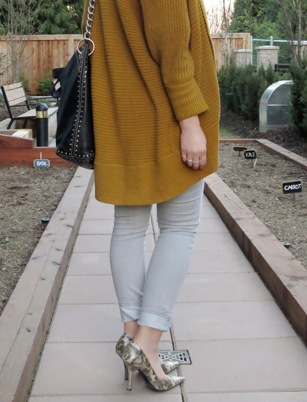 grey skinnies, reptile pumps, drapey mustard cardigan, MK bag