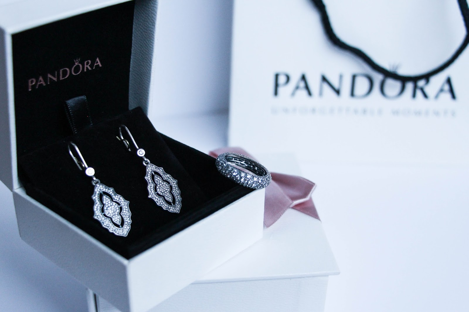 Pandora_Sparkling_Classic_Lace_Earrings